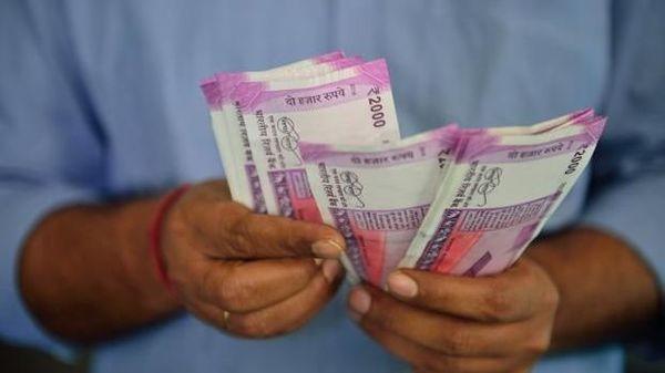 मोदी सरकार की बेहतरीन योजना, बेरोजगारों को मिलेगी 50% सैलरी