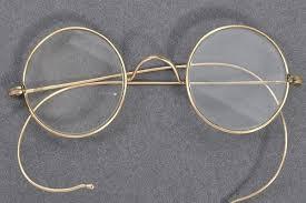 ब्रिटेन में हुई महात्मा गांधी में चश्में की नीलामी, जानें किस शख़्स ने कितने में खरीदा
