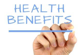 Health Benefits: त्वचा को ग्लोइंग रखने का सबसे सस्ता और चमत्कारी उपाय, घर बैठे कर सकेंगे ये काम