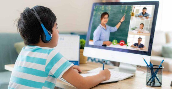 ऑनलाइन क्लास के दौरान खेलें 20-20, कभी खराब नहीं होंगी आंखें