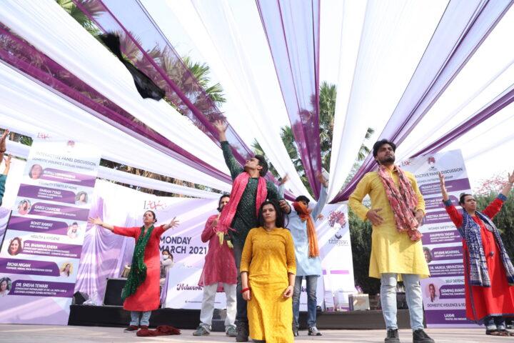 लखनऊ: महिलाओं ने भरी उड़ान सपनों की, महिला दिवस पर लिव फाउंडेशन के कार्यक्रम