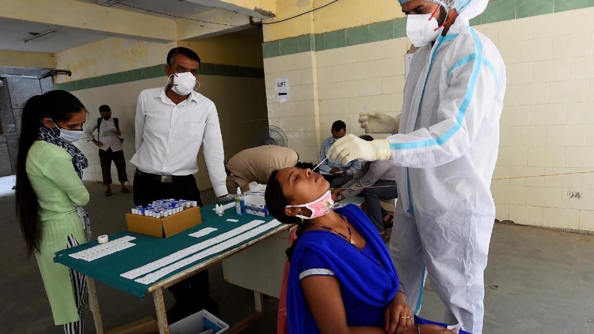 दिल्ली : दवाइयों की कालाबाजारी पर छापे मारने के आदेश