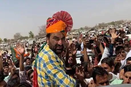 राजस्थान में कोरोना पर मचा सियासी घमासान, CM गहलोत की अपील पर बेनीवाल ने दिया जवाब कहा…