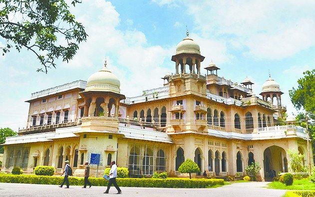 यूपी : इविवि की परीक्षाओं पर आज लिया जाएगा निर्णय